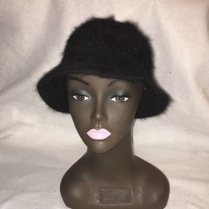 Dny Bucket Hat 🎩